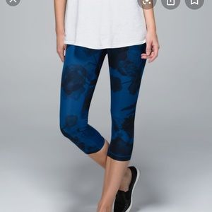 Lululemon athletic blue floral leggings